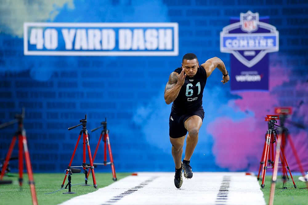 Minnesota defensive back Antoine Winfield Jr. runs the 40 at this year's combine. (Joe Robbins/Getty Images)