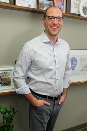 Dr. Todd Sinett